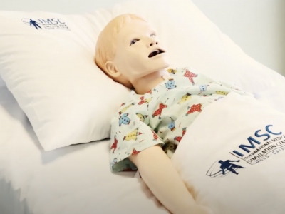 La pose d'une sonde gastrique sur l'enfant